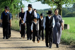 amish-1churchgoers